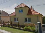 Na predaj pozemok so starším domom