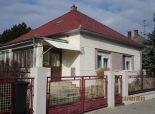 Devínska Nová Ves - rodinný dom na peknom 9,9 á pozemku v dobrej lokalite