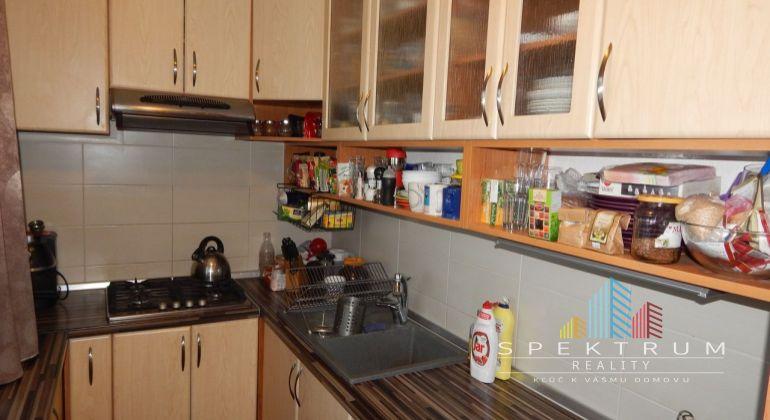 Na predaj 3 izbový byt, 63 m2, Prievidza, Staré Sídlisko