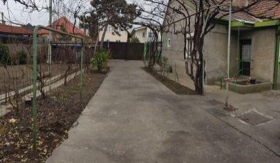 EXKLUZÍVNE: Na predaj 1178m2 stavebný pozemok so starším rodinným domom v Bratislave, m.č. Podunajské Biskupice