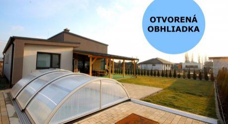 Vkusný 4 izbový bungalov s bazénom v Bošanoch