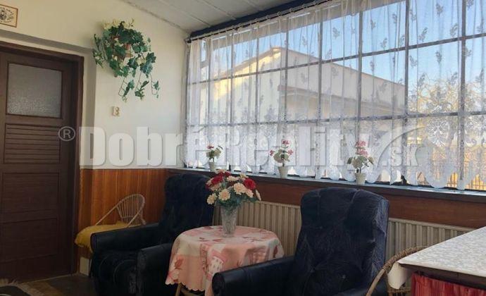 REZERVOVANÉ - Vidiecky rodinný dom vo veľmi zachovalom stave - Urmince, Topoľčany