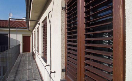 3izb. byt, 70m2, historické centrum BA, Laurinská ul., tehla, novostavba, s vlastným kúrením, 2x kúpeľňa, 4p., výťah, klimatizácia