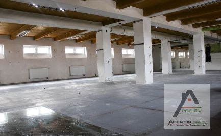 Skladové/obchodné priestory 266m2 v uzavretom/stráženom areále - prenájom