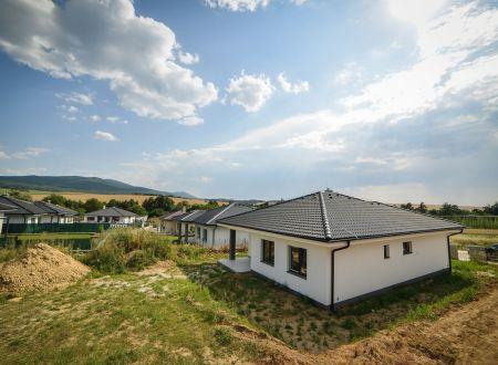 Rodinné domy Zajarčie / Trenčianska Turná