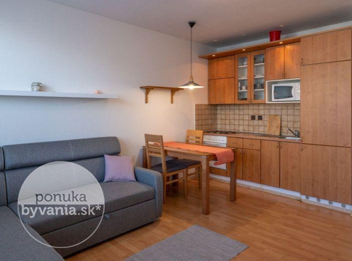 BEBRAVSKÁ, 1-i byt, 35 m2 – PRAKTICKY ZARIADENÝ a útulný byt s LOGGIOU v 16-ročnej zástavbe