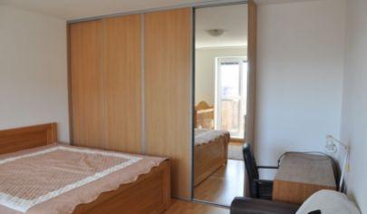 Na predaj 1.izbový byt Stupava, Dlhá ulica. Balkón, rezidenčné parkovanie.