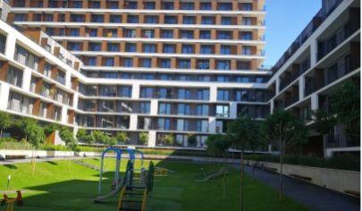 Na predaj 3.izbový byt Petržalka,  ulica Zuzany Chalupovej (Slnečnice), s veľkou terasou a podzemným parkingom.