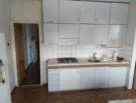Ponúkame Vám na predaj čiastočne prerobený 3 izbový byt s balkónom Trnava,ul. Spartakovská sídl. Družba