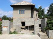 REALITY COMFORT - Rodinný dom v rekonštrukcii + platné stavebné povolenie a projekt.dokumentácia