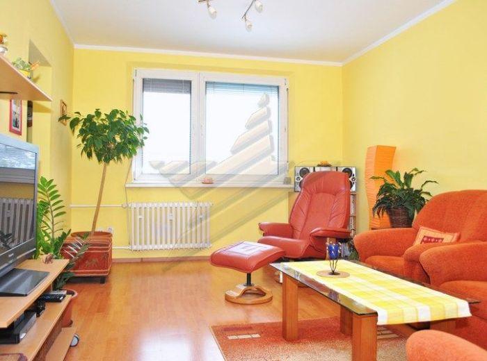 PREDANÉ - LYSÁKOVA, 4-i byt, 82 m2 - po rekonštrukcii, 4-podlažná bytovka, PANORAMATICKÝ VÝHĽAD NA KARPATY