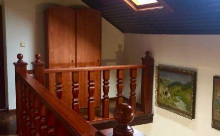 Na predaj 5 izbový  rodinný dom v rustikálnom štýle s  pozemkom 1731 m2 v tesnej blízkosti hrádze v obci Hamuliakovo.