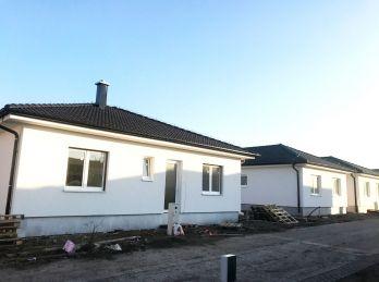 NOVOSTAVBA: Kvalitný 4 izb. rodinný bungalov v obci Jakubov pri Malackách!!