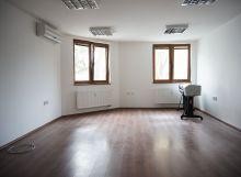 NA PRENÁJOM - Kancelária v centre 35 m2