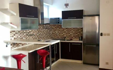 Novostavba 3 izbového zariadeného bytu s vlastným parkovacím státim  v Bratislave - Hradská ul. na prenájom.