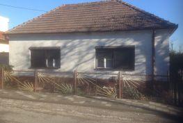 Predaj staršieho RD- Limbach VEĽKÝ POZEMOK 1090 M2, Slnečná ul.LIMBACH.
