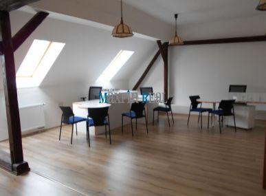 Maxfinreal ponúka- zariadená kancelária v centre Skalice 53m2
