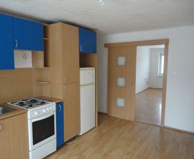 Na predaj 2 izbový byt 60 m2 Handlová 79022