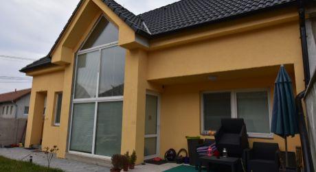 2 - 4 izbový rodinný dvoj-podlažný dom 95,31m2,  - Rajka