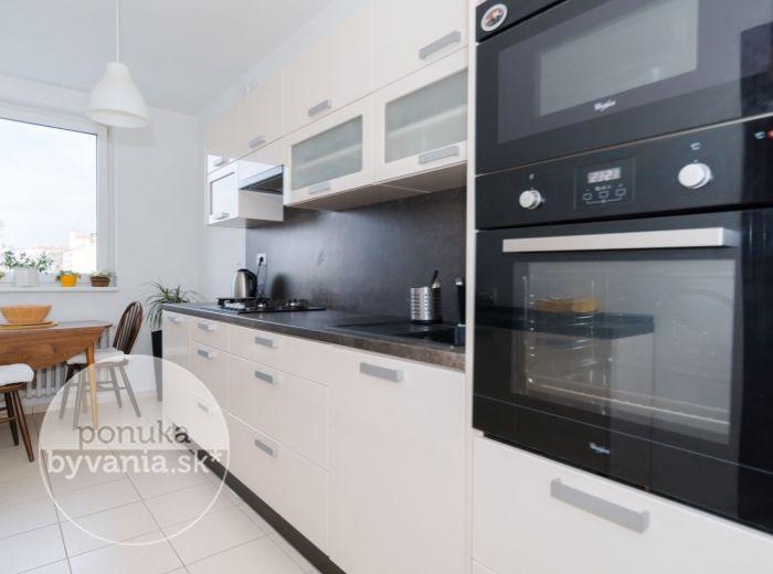 PREDANÉ - PEČNIANSKA, 3-i byt, 78 m2 - VÝHĽAD na Bratislavu, ŠKÔLKA PRED DOMOM, skvelá dostupnosť