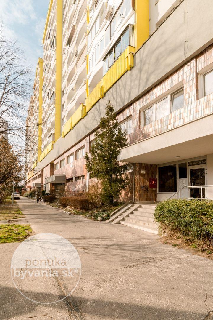 ponukabyvania.sk_Pečnianska_3-izbový-byt_archív
