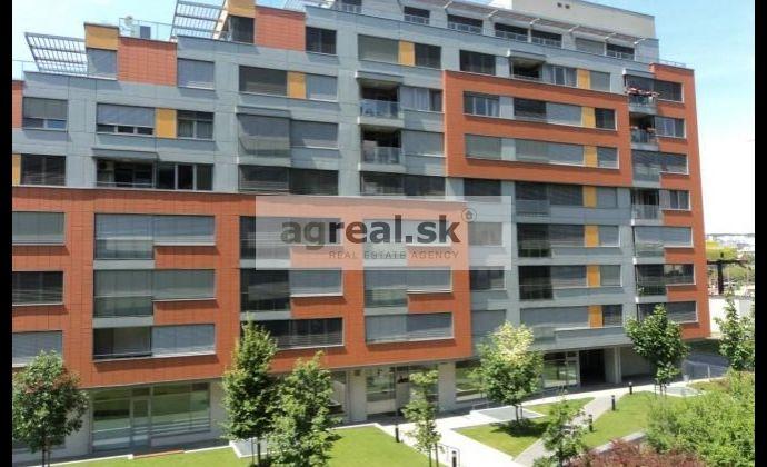 2-izbový zariadený byt novostavba Karloveské rameno, 3.NP (bez parkingu)
