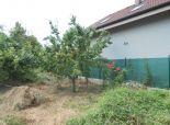 Pozemok - záhrada 412m2 pre chatku alebo trvalé bývanie v menšom dome, blízko centra mesta