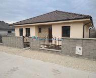 NENECHAJTE SI UJSŤ!!! DIAMOND HOME s.r.o. Vám ponúka na predaj krásny kvalitne postavený 4izbový rodinný dom v obci Horná Potôň!