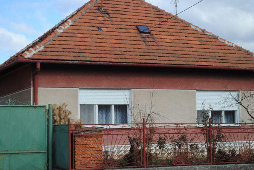 Predaj Rodinné domy Štúrovo