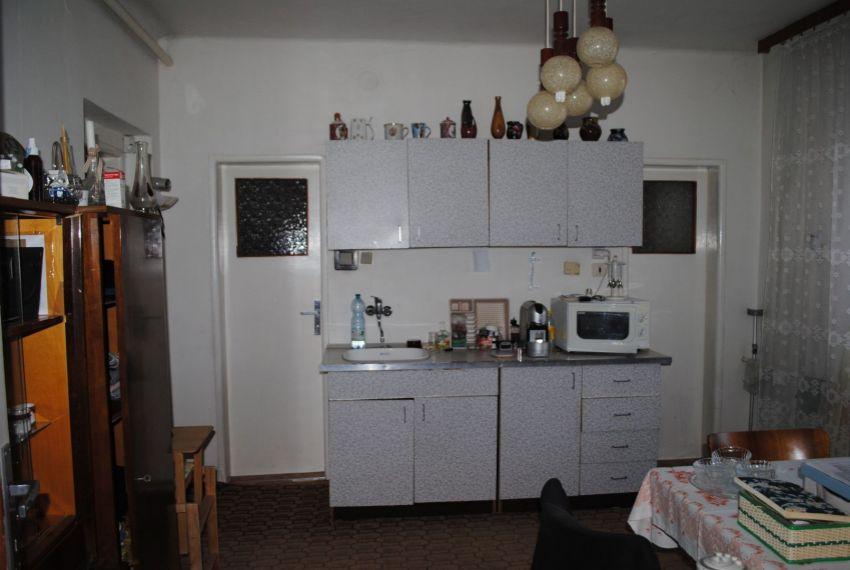 Predaj Rodinné domy Štúrovo-6