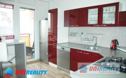 PREDANÉ !!! BÁNOVCE NAD BEBRAVOU - 3 izbový byt- čiastočne zariadený / DUBNIČKA / kompletná rekonštrukcia/ IBA U NÁS