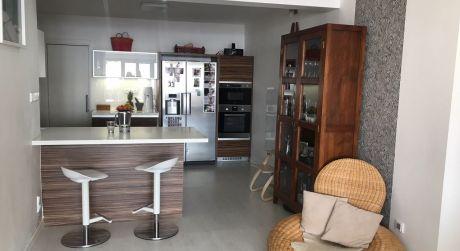 Predaj 4 izbového bytu s veľkou terasou a výhľadom na Dunaj na ulici Fialkové údolie na Hradnom kopci