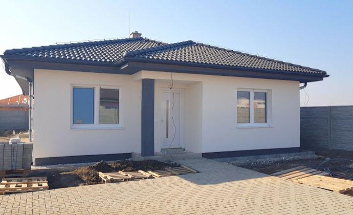 Odporúčame: kvalitný 4-izbový bungalov, všetky IS, overený staviteľ, blízko RegioJetu, Hviezdoslavov