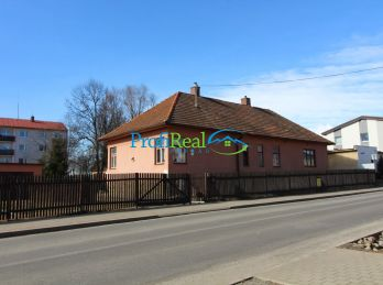 Na predaj rodinný dom v centre obce Veľká Lomnica