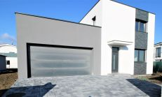 ASTER PREDAJ: moderný 6 izbový rodinný dom v Chorvátskom Grobe - časť Čierna Voda (PH3)