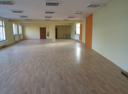 Obchodné priestory na prenájom, 180 m2 v centre Piešťan