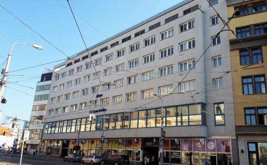 ARTHUR - Prenájom - obchodný priestor s výkladom, 77,46 m², Štúrova ulica