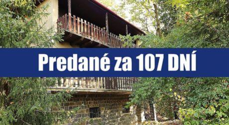 Chcete bývať v lese? Priestrannú chata v Lamači na Plánkach môžete prestavať na rodinný dom
