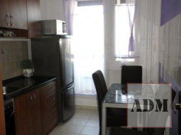 Rezervované-Kompletne zariadený byt s loggiou po rekonštrukcii