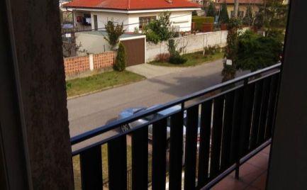 Na prenájom: samostatná izba s dvomi lôžkami v zariadenom rodinnom dome v blízkosti centra mesta Malacky!!!
