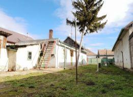 3 izbový RODINNÝ DOM s krásnym pozemkom v obci VEĽKÝ BIEL, okr. Senec, iba 20 km od BA, 2 km od SC