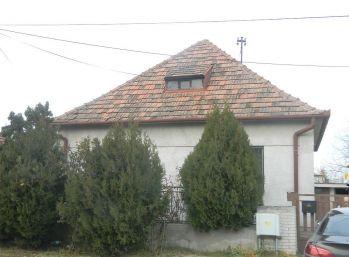 Exkluzívne predáme 3-izb. rodinný dom s garážou v Seredi
