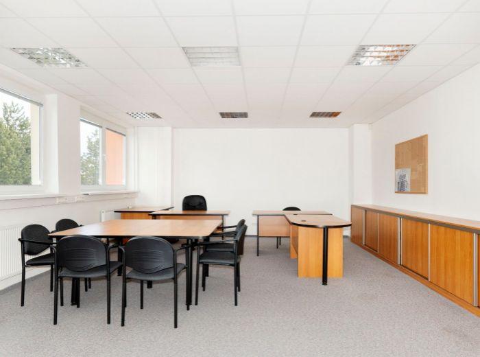 BOJNICKÁ, kancelársky priestor, 64 m2 – blízko VAJNORSKEJ, bezproblémové PARKOVANIE, skvelá DOSTUPNOSŤ, nízke NÁKLADY