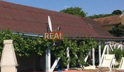REALFINN  - PODHÁJSKA -  Apartmánový dom s bazénom na predaj