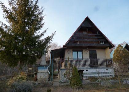 DOMUM - Záhradná murovaná chatka na  pozemku v Čachticiach - Hliník 4