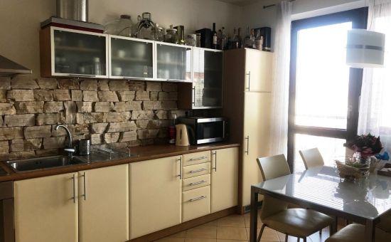 Zariadený, priestranný 2. izb.byt v centre, novostavba