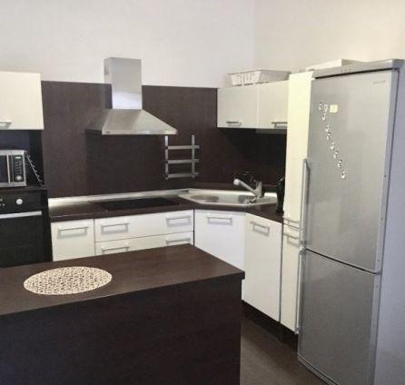 Starbrokers - predaj 2 izbového zariadeného bytu v novostavbe na ulici Šustekova.