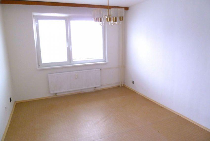 Predaj 1 izbový byt Poltár-1