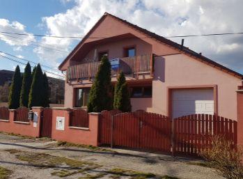 Rodinný dom s využitím na podnikateľské účely v lukratívnej časti Pezinka