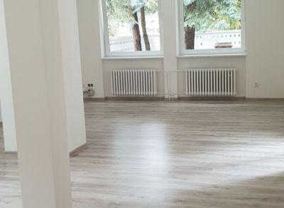 Ponúkame na predaj rodinný dom : 4 izbový o rozlohe 135 m2 + garáž+ záhrada